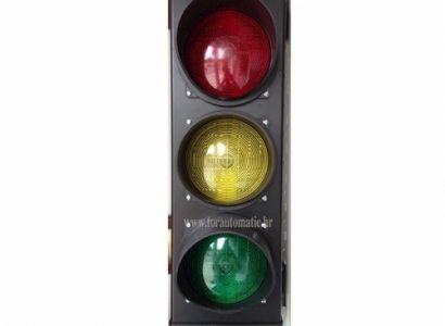 semafor-3-230